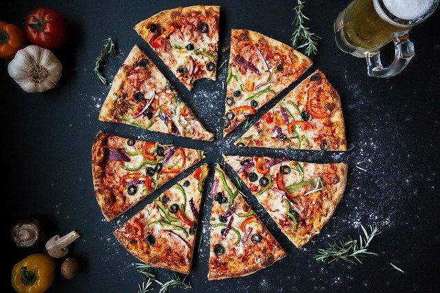 Bestes und beliebtestes Essen der Welt ist die Pizza in unterschiedlichsten Variationen.